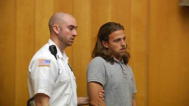 Surviving suspect in attempted armed taxi robbery faces judge | WPRI