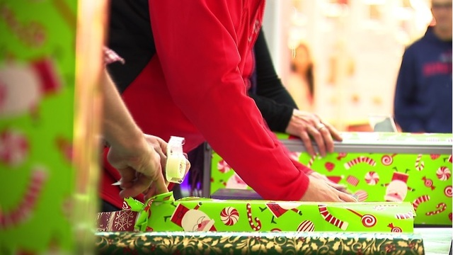 2nd annual 'Wrapping It Up For Charity' held at Warwick Mall | WPRI