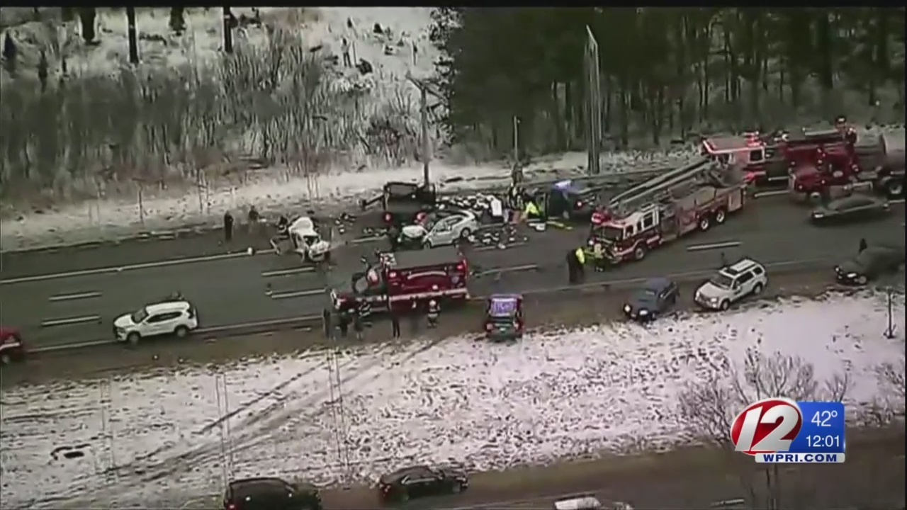 Several people hurt in 8-vehicle crash on I-95 in North