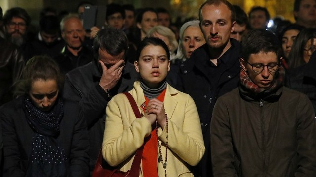 Prayers offered around the world for Notre Dame Cathedral